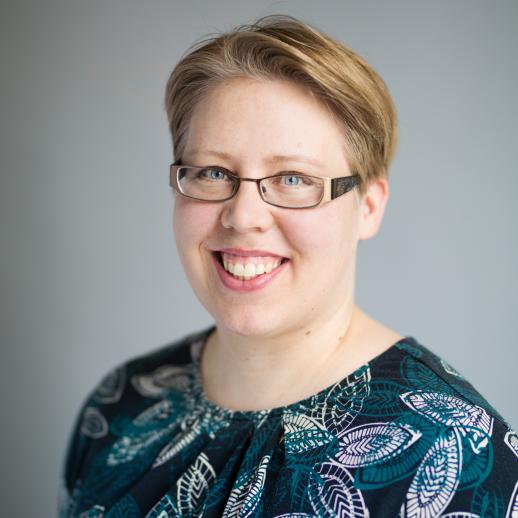 Marjaana Siivola, digopedagogi, tutkija, doula ja synnytysvalmentaja